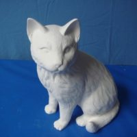 "scioto 1120: lge sitting cat (CT 30)  12""H  bisqueware"