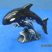"atlantic 1756 lge atlantic killer whale mother (FIS 66)  10""L  bisqueware"