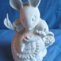 "gare 1459 melissa mouse (MIC4)  7""H bisqueware"