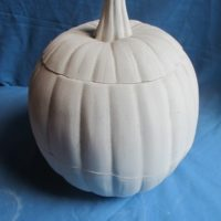 """gare 709: pumpkin stout w/lid  10""""H  bisqueware"""